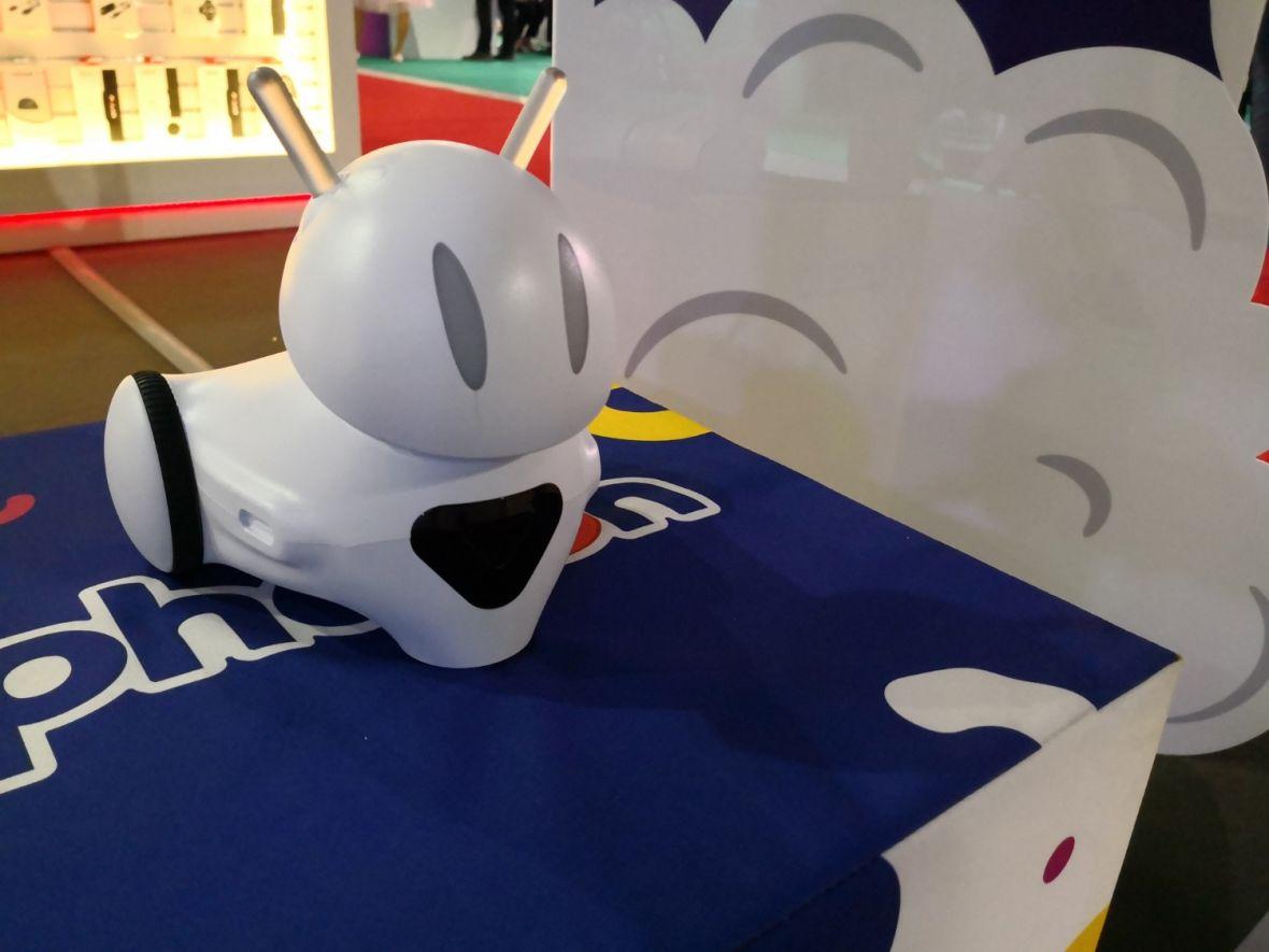 Photon to najlepsza zabawka edukacyjna jaką widziałem. Ten robot wprowadzi dziecko w świat programowania