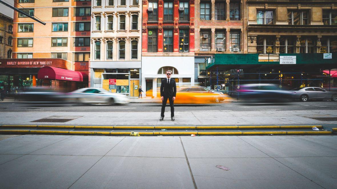 Casey Neistat rozpoczyna nowy projekt na YouTubie. Niestety drony i deskorolki to trochę za mało