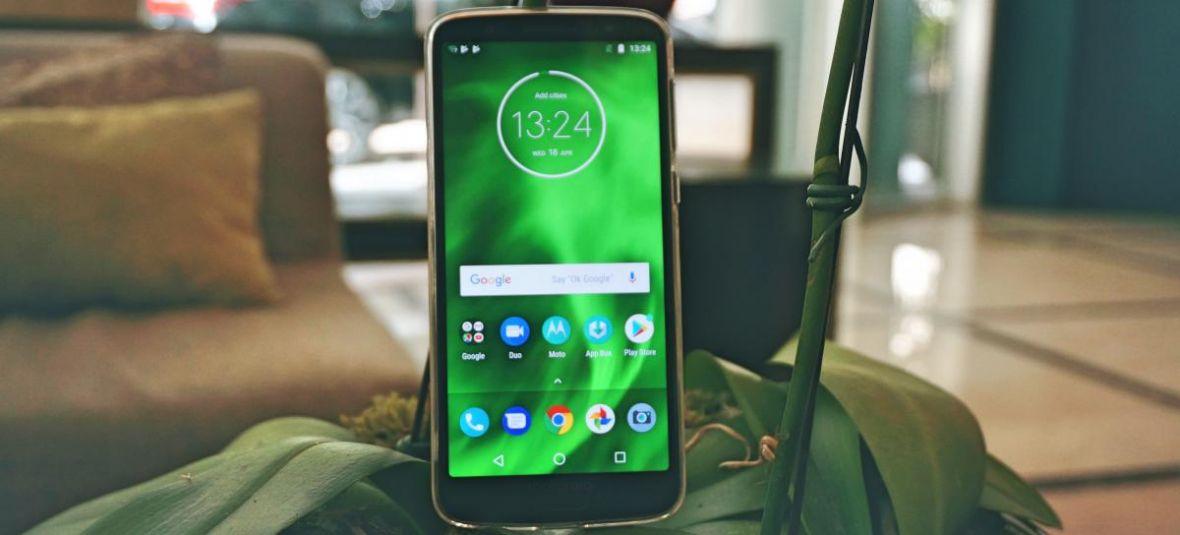Kosztuje tylko 999 zł, ale na pierwszy rzut oka tego nie poznasz. Motorola Moto G6 – pierwsze wrażenia prosto z premiery