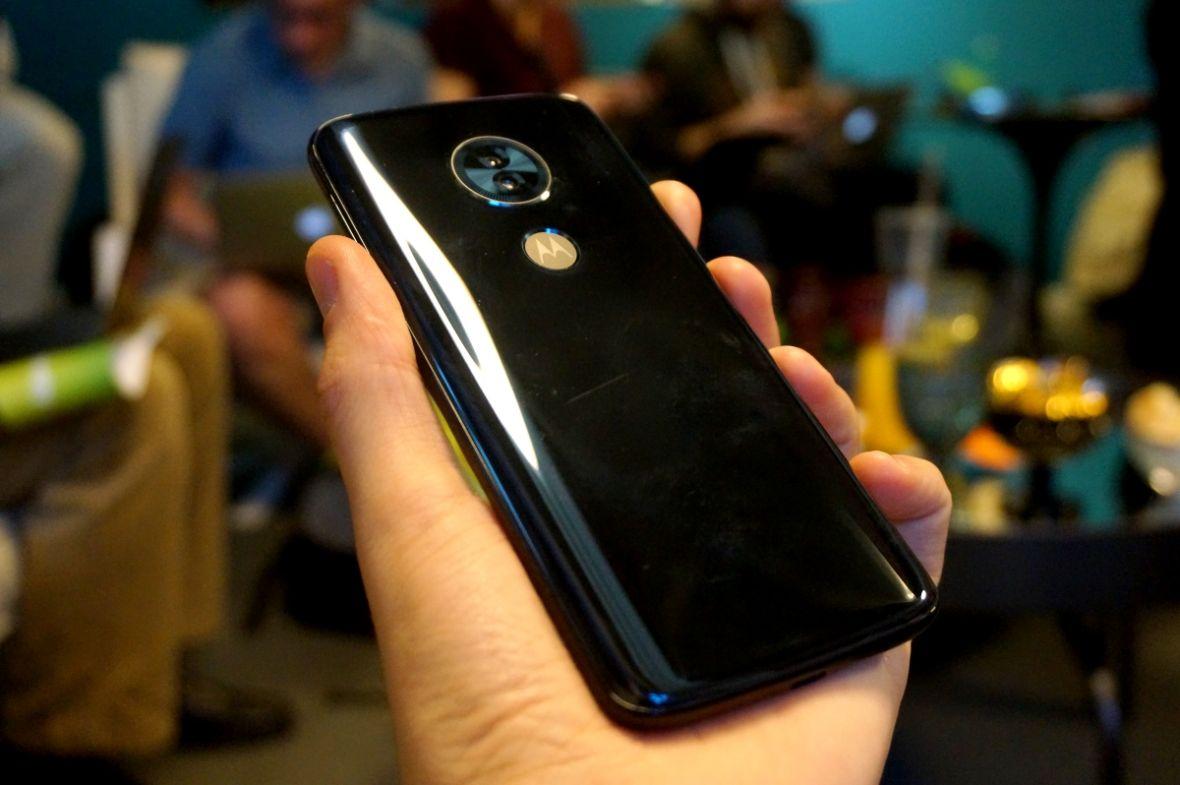 Xiaomi Redmi 5 Plus czy Motorola Moto G6 Play – wybieramy najlepszy smartfon do 800 zł