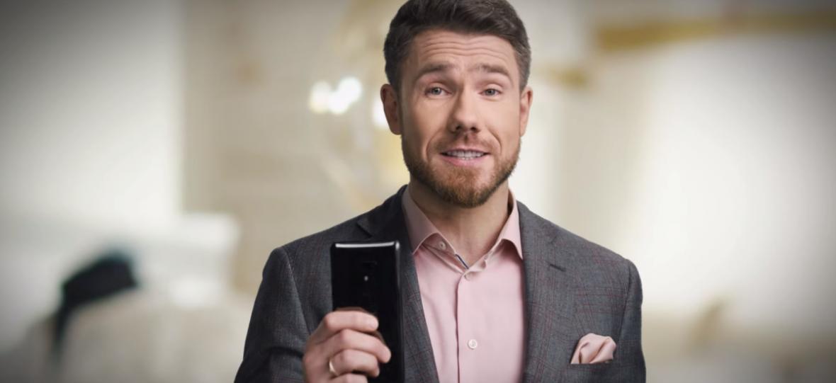 Nie wiem jak wy, ale ja po nowych reklamach HTC U12+ musiałem się przejść, żeby rozchodzić zażenowanie