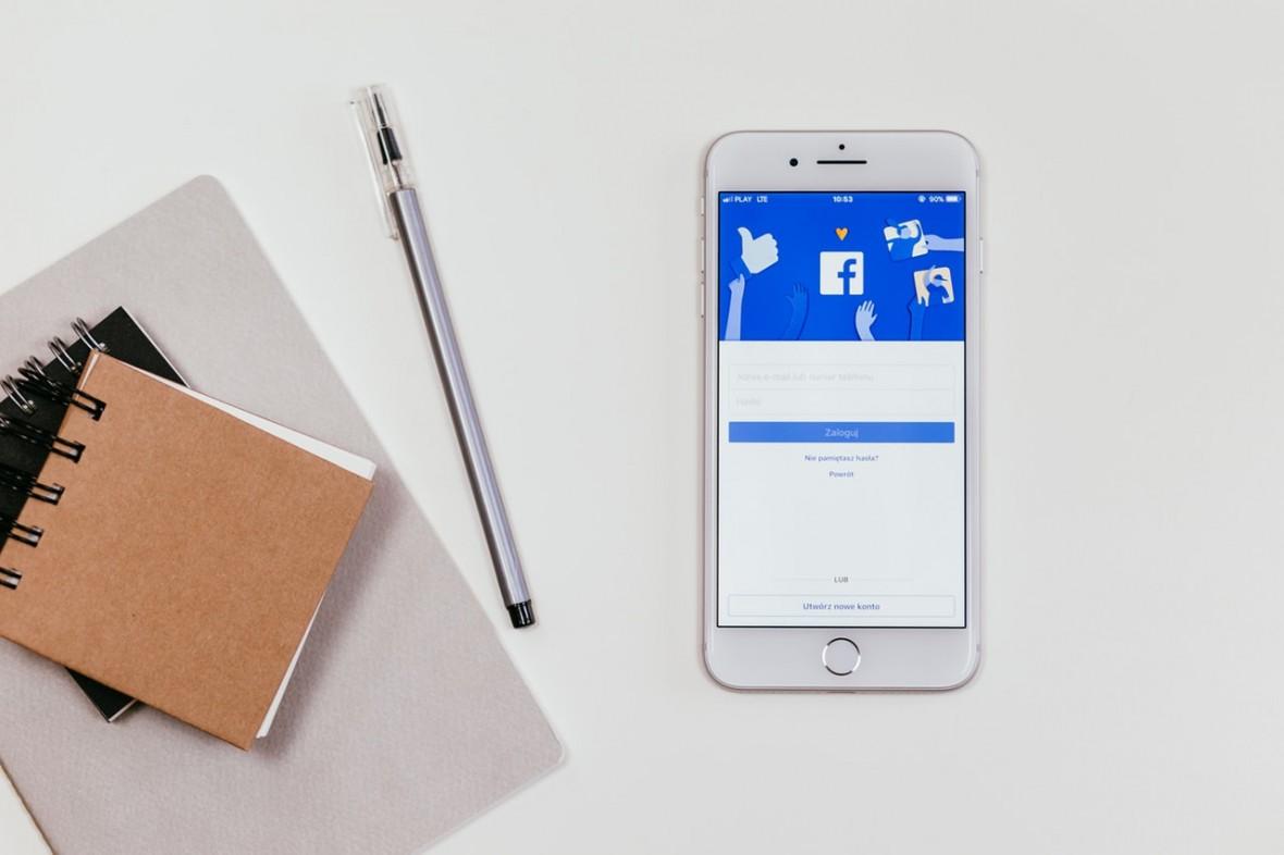 Pozyskanie fana na Facebooku może kosztować 2 złote. Można go mieć też za 8 groszy