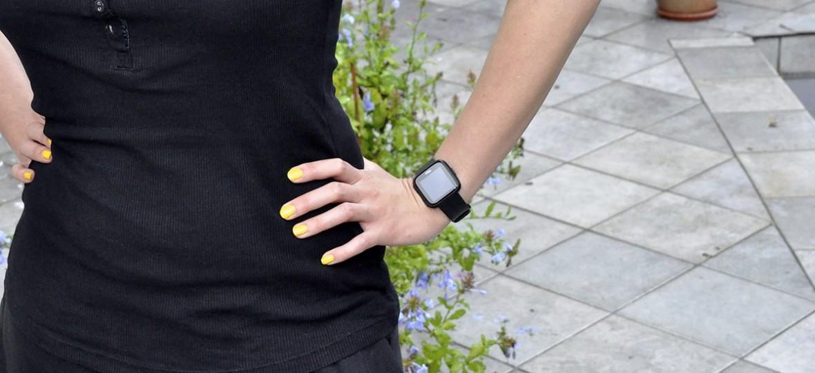 Fitbit Versa, czyli smartwatch dla początkujących – recenzja