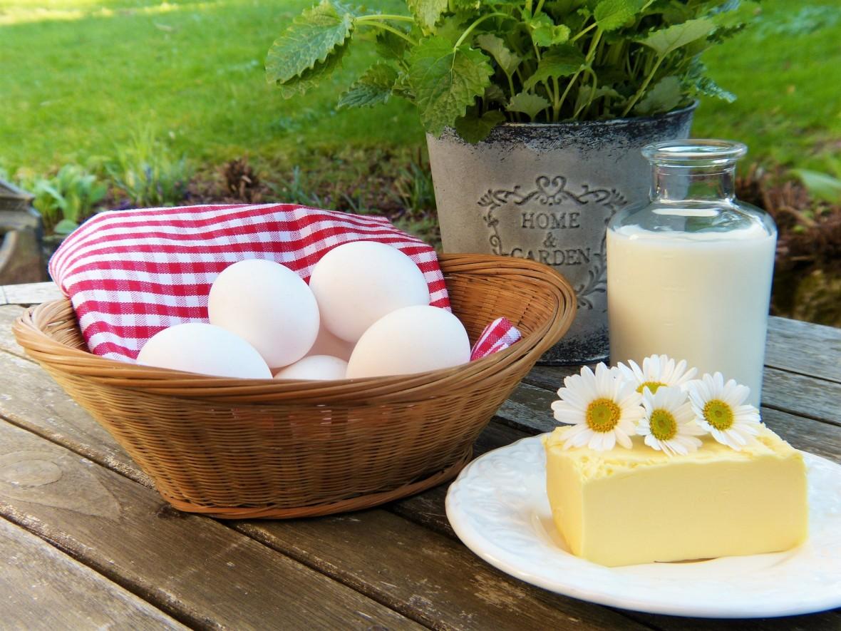 To jak jest z tym jedzeniem masła i tłustego nabiału? Zdrowe czy jednak nie?