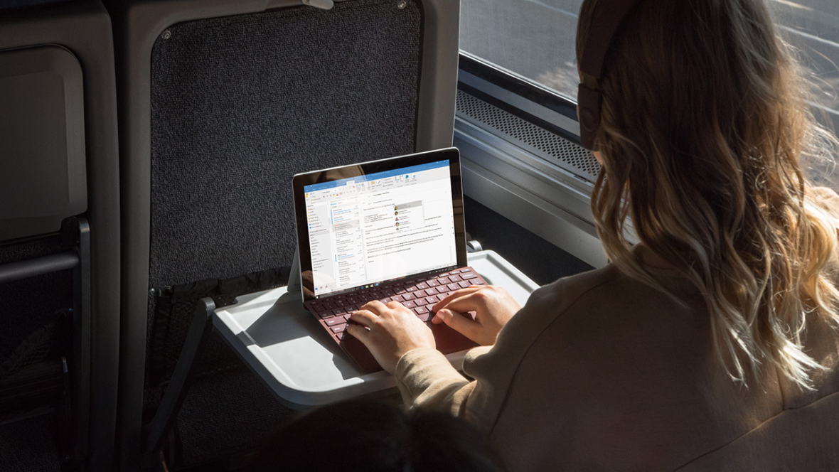 Znamy polskie ceny Surface Go. Pentium i podatki zdecydują o losie tabletu Microsoftu w Polsce