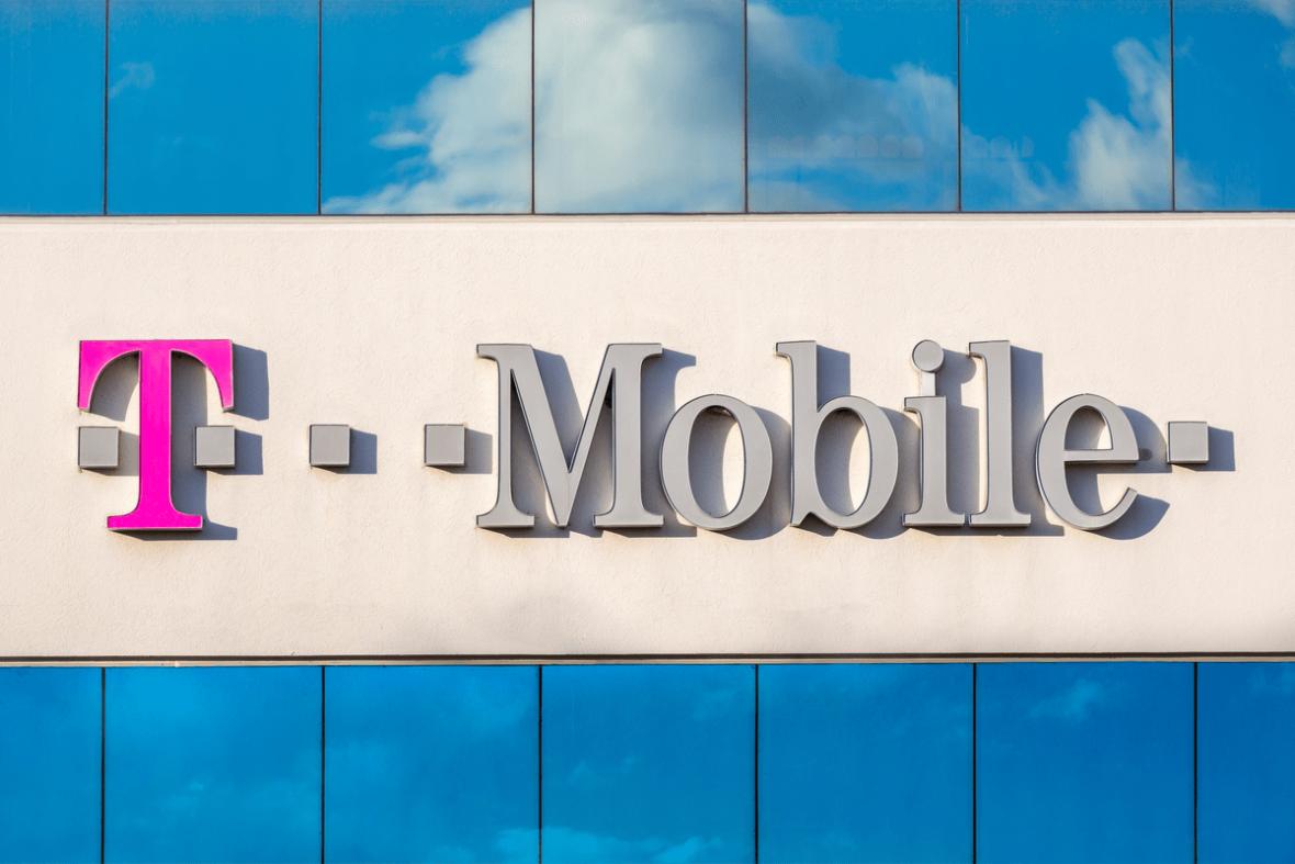 """T-Mobile Polska zwalnia pracowników: """"rozwój nie jest możliwy bez redukcji wydatków"""". Oto treść listu prezesa"""