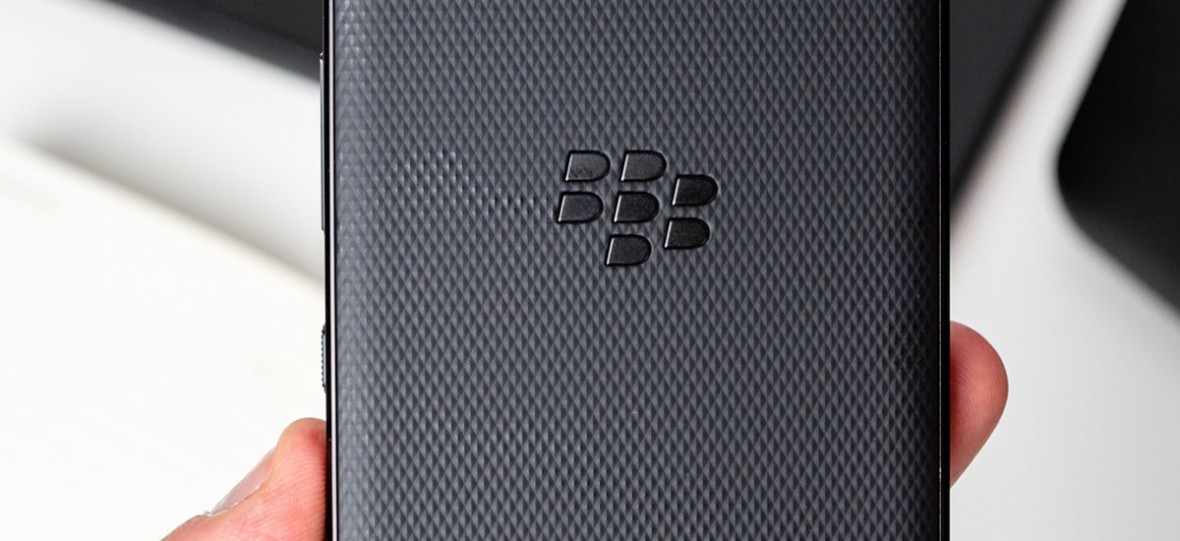 BlackBerry pokazało modele Evolve i Evolve X. To klasyczne smartfony pozbawione fizycznej klawiatury