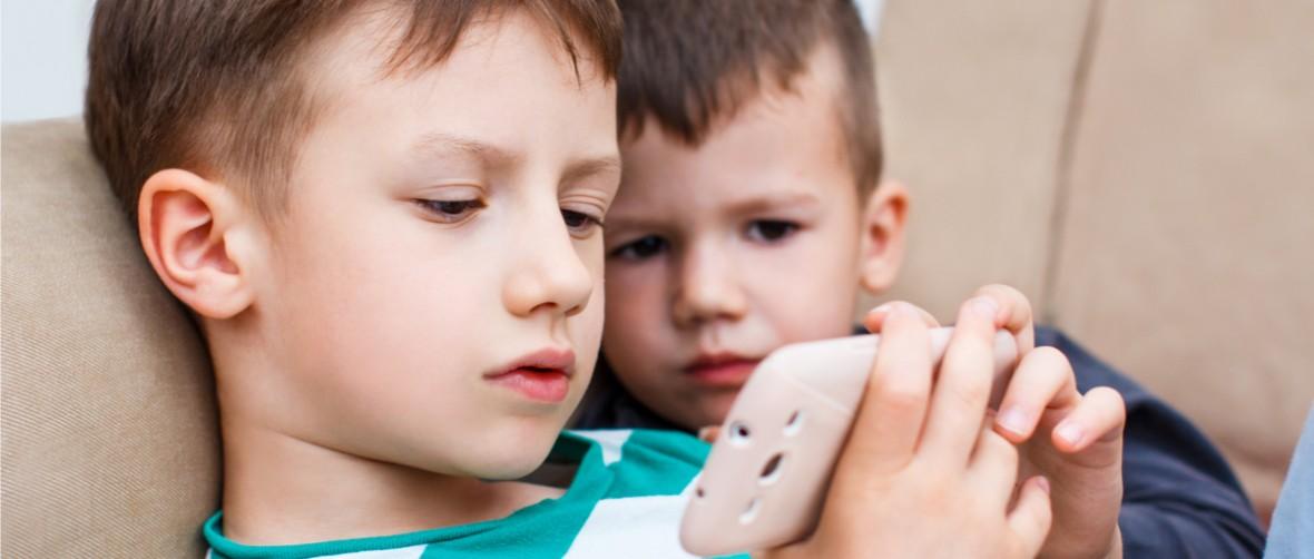 Smartfon czy zapałki – zastanawiam się, co jest gorsze dla dziecka