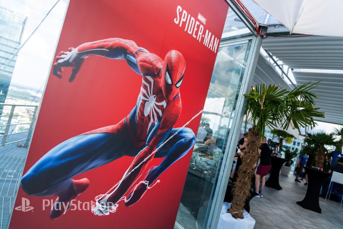 Człowiek-pająk tak się rozbujał na swej sieci, że wylądował w Warszawie. Graliśmy już w Marvel's Spider-Man