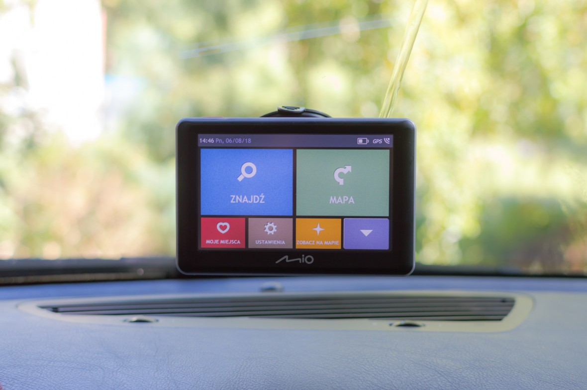 Tania nawigacja, smartfon, czy… droższa nawigacja? Sprawdziłem, z czym najlepiej pojechać na wakacje