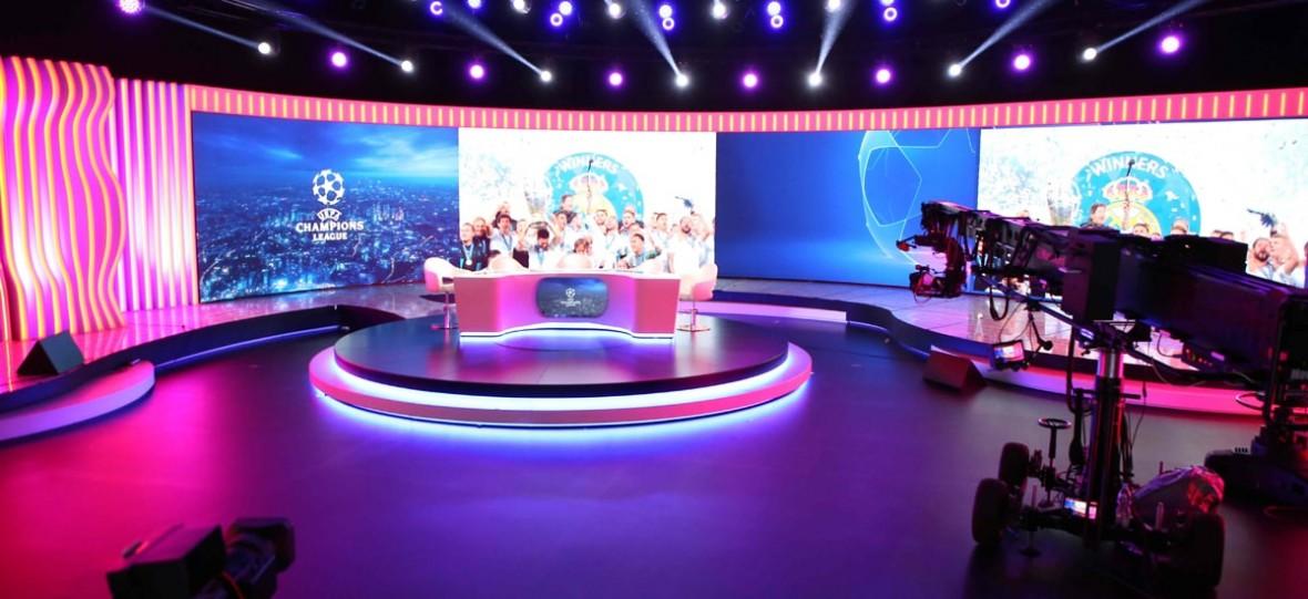 Polsat zaskoczy widzów podczas Ligii Mistrzów. Komentatorzy ze studia wirtualnie przeniosą się na boisko