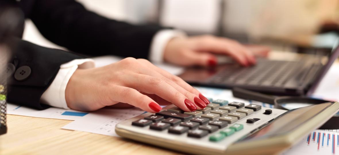 Podzielona płatność podzieliła przedsiębiorców. Teraz ministerstwo sugeruje, że split payment będzie obowiązkowy