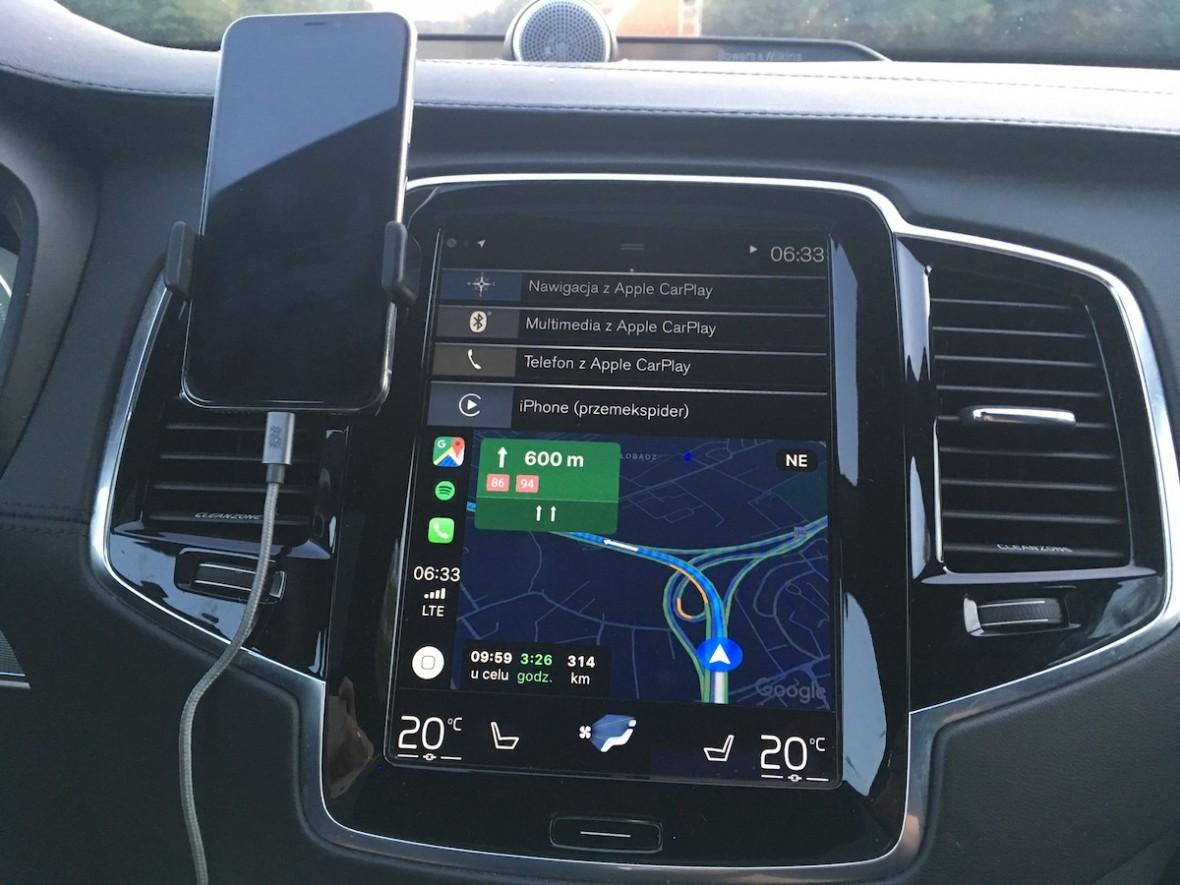 Google Maps wreszcie w Apple CarPlay. Jest (prawie) super