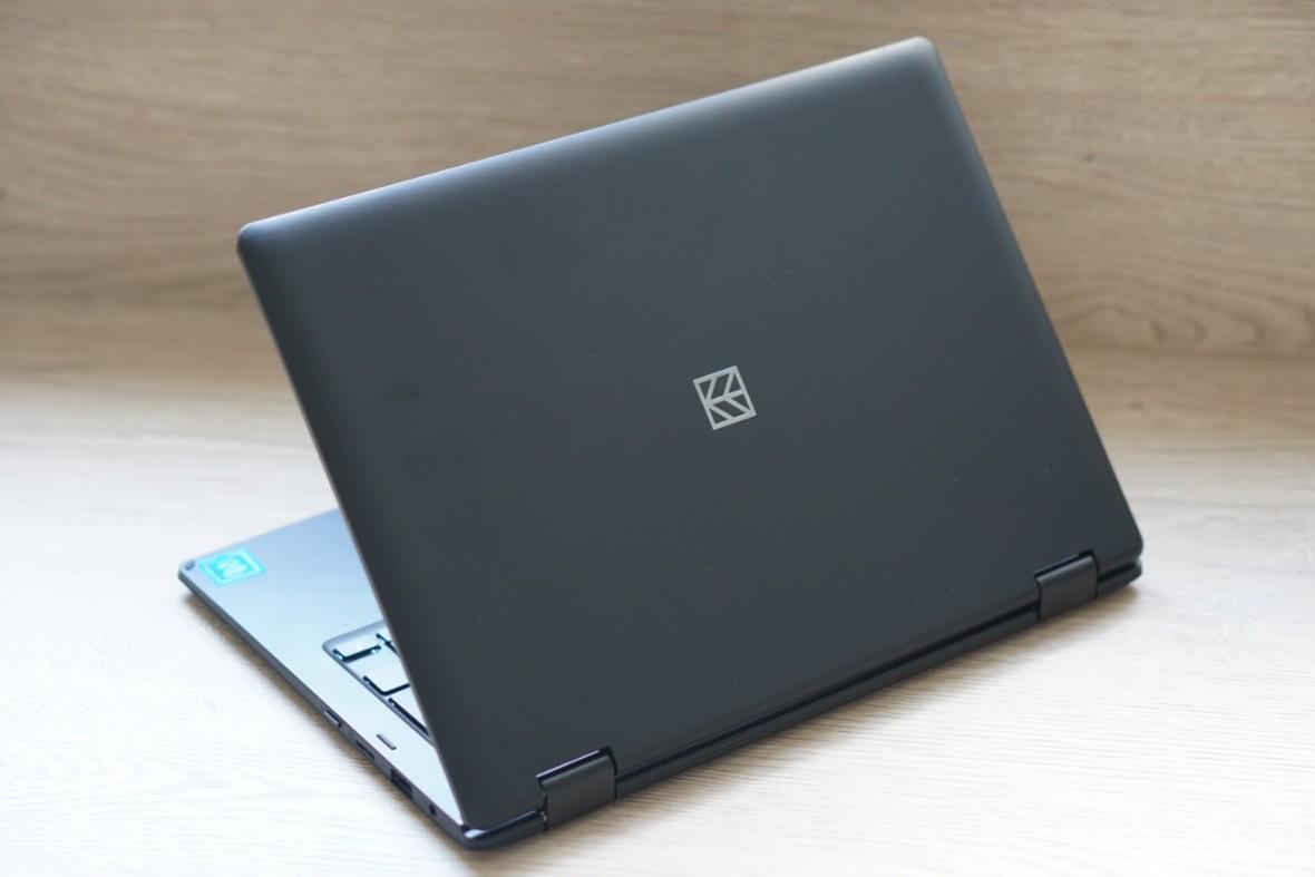 W czwartek do Biedronki trafi laptop i tablet za 749 zł. My już go przetestowaliśmy