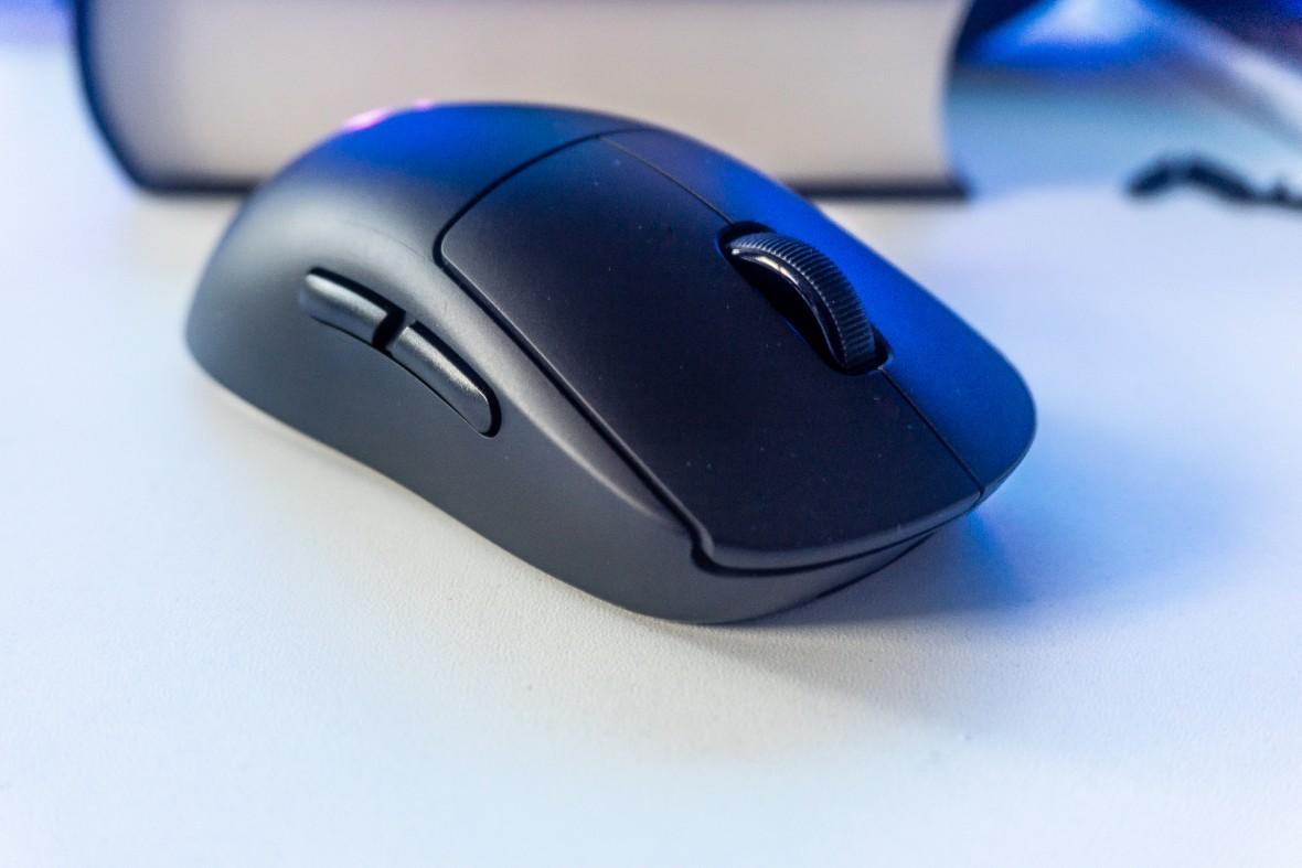 Projektant tej myszki jest albo szaleńcem, albo geniuszem. Logitech G Pro Wireless – recenzja