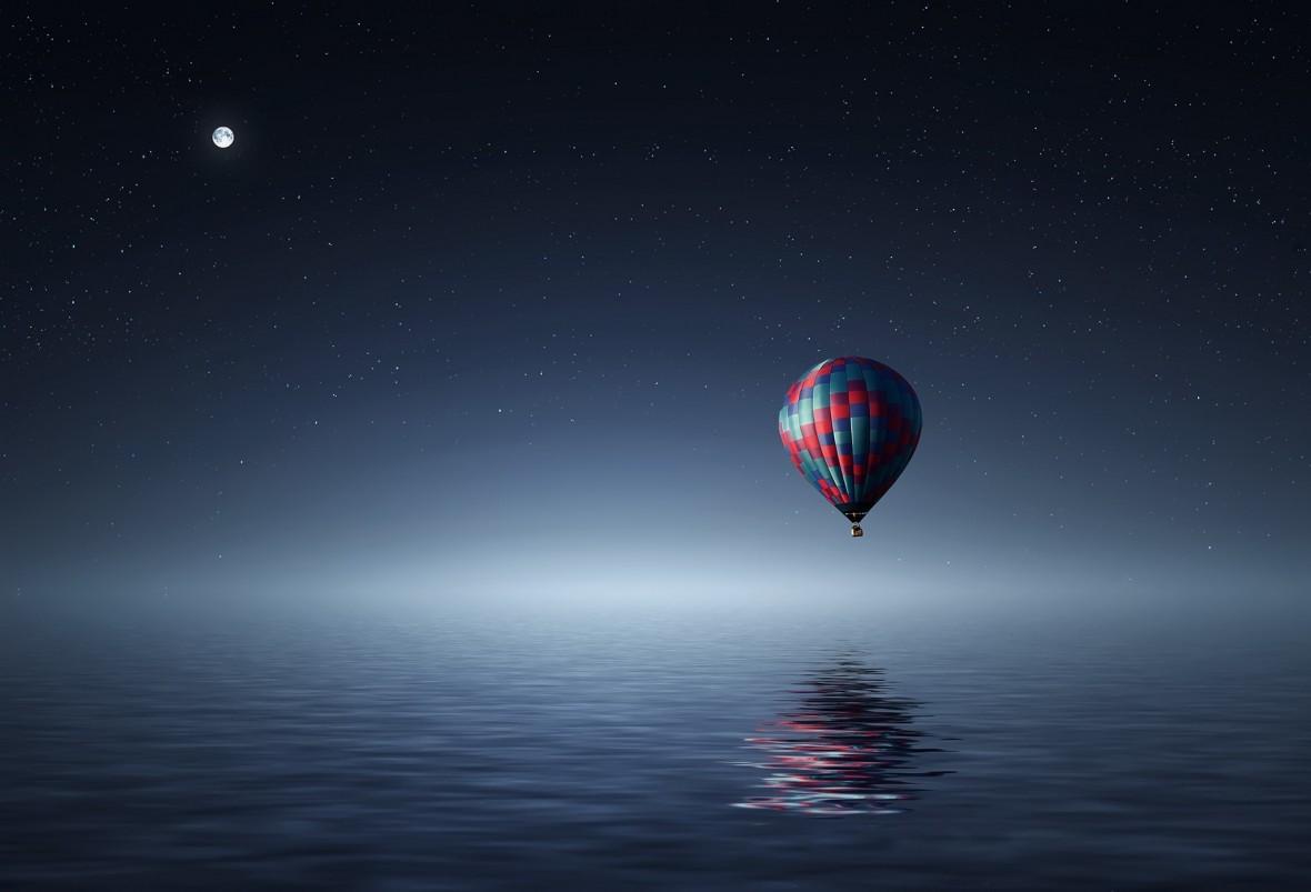 Pierwszą misję na Księżyc planowano już w XVII wieku. Na Srebrny Glob mieliśmy dotrzeć skrzydlatym powozem