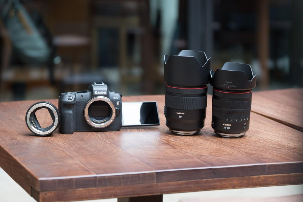 Producenci aparatów zaczynają walkę na jasność obiektywów. Wolałbym, żeby zaczęli walczyć na ich rozmiar