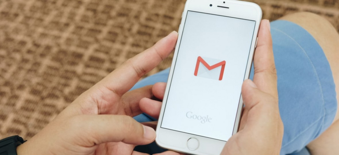 """""""Dzieńdobry czy można dziś wźionć ta kanape z OLX?"""" – koniec z podobnymi mailami. Gmail sam poprawi błędy i literówki"""
