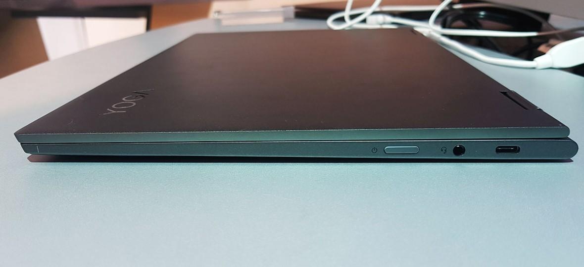 Pobawiłem się chwilę smartbookiem nowej generacji ze Snapdragonem 850. Intel ma się czego obawiać