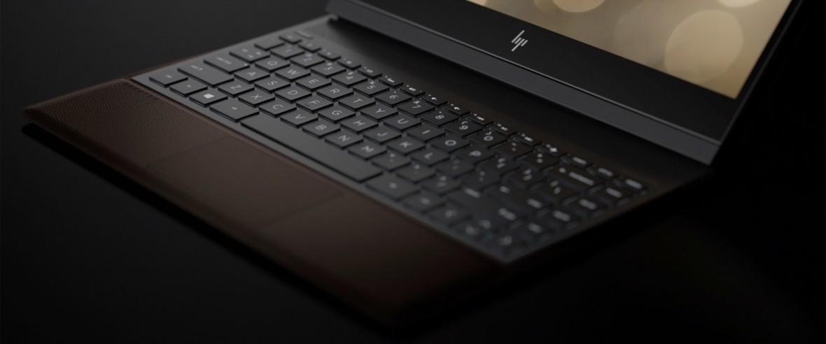 HP Spectre Folio to burgundowa skóra, składana konstrukcja i 18 godzin działania. Tak wygląda prestiż według HP