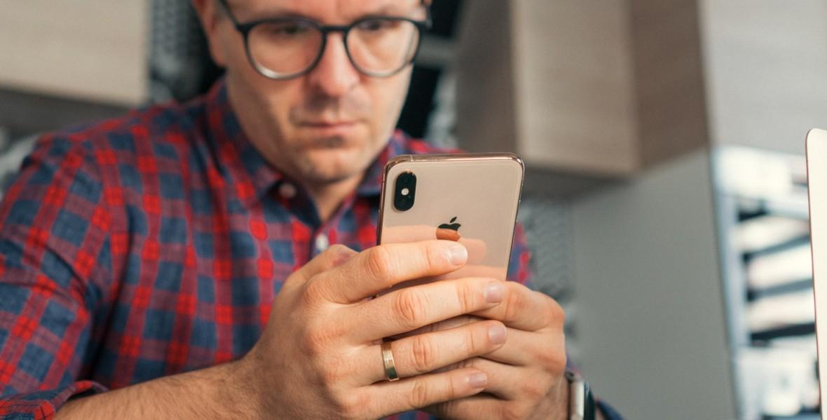 Pytanie na otwarcie tygodnia: przez ile godzin dziennie używasz smartfona?