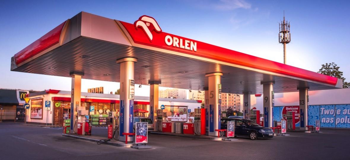 Od samotnego dystrybutora po potężne kompleksy. Stacje benzynowe w Polsce zmieniły się nie do poznania