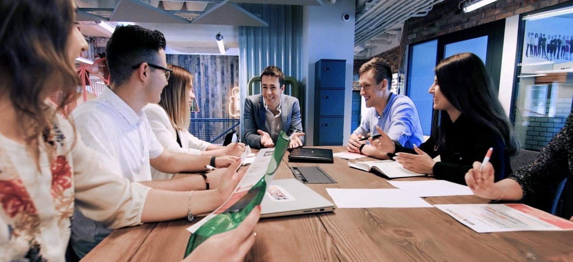 Ukończył uniwersytet, rozwija własny startup, prowadzi agencję PR i nigdy się nie poddaje – historia Ukraińca w Polsce