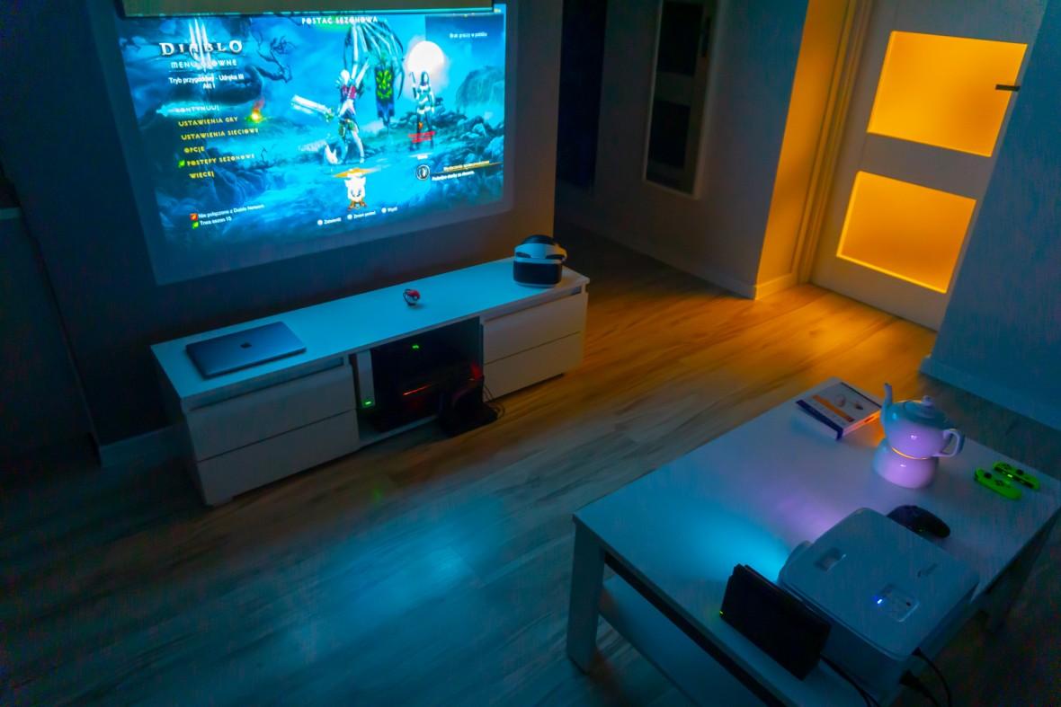 Projektor nie jest zastępstwem TV. To maszyna od zadań specjalnych pozwalająca na więcej