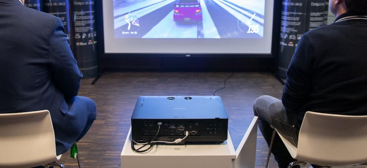 """Na Audio Video Show 2018 mnóstwo """"sal kinowych"""". Podobne możesz mieć w domu"""