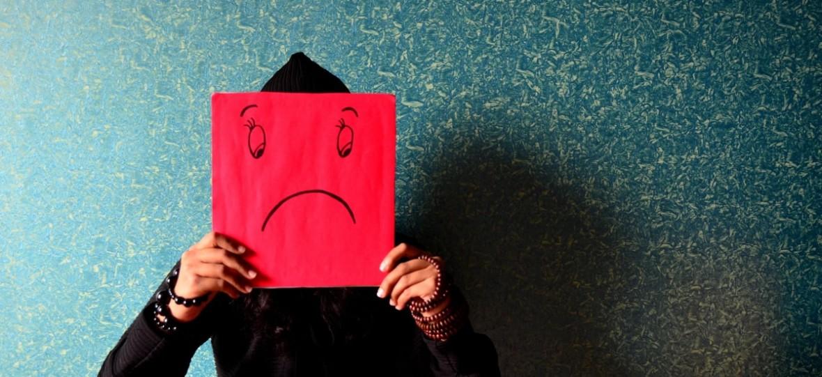 Media samotnościowe. To częste korzystanie z mediów społecznościowych może sprawiać, że czujesz się samotny