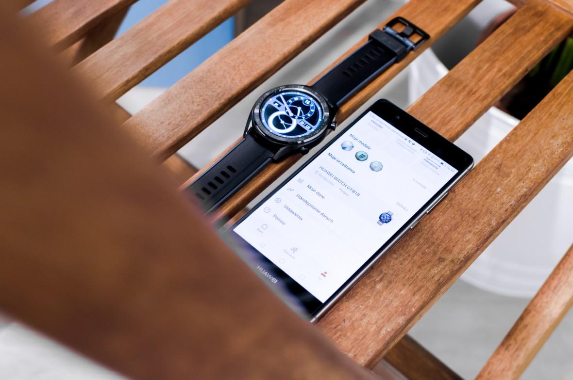 Mniej znaczy więcej. Huawei Watch GT to świetne połączenie opaski sportowej i smartwatcha