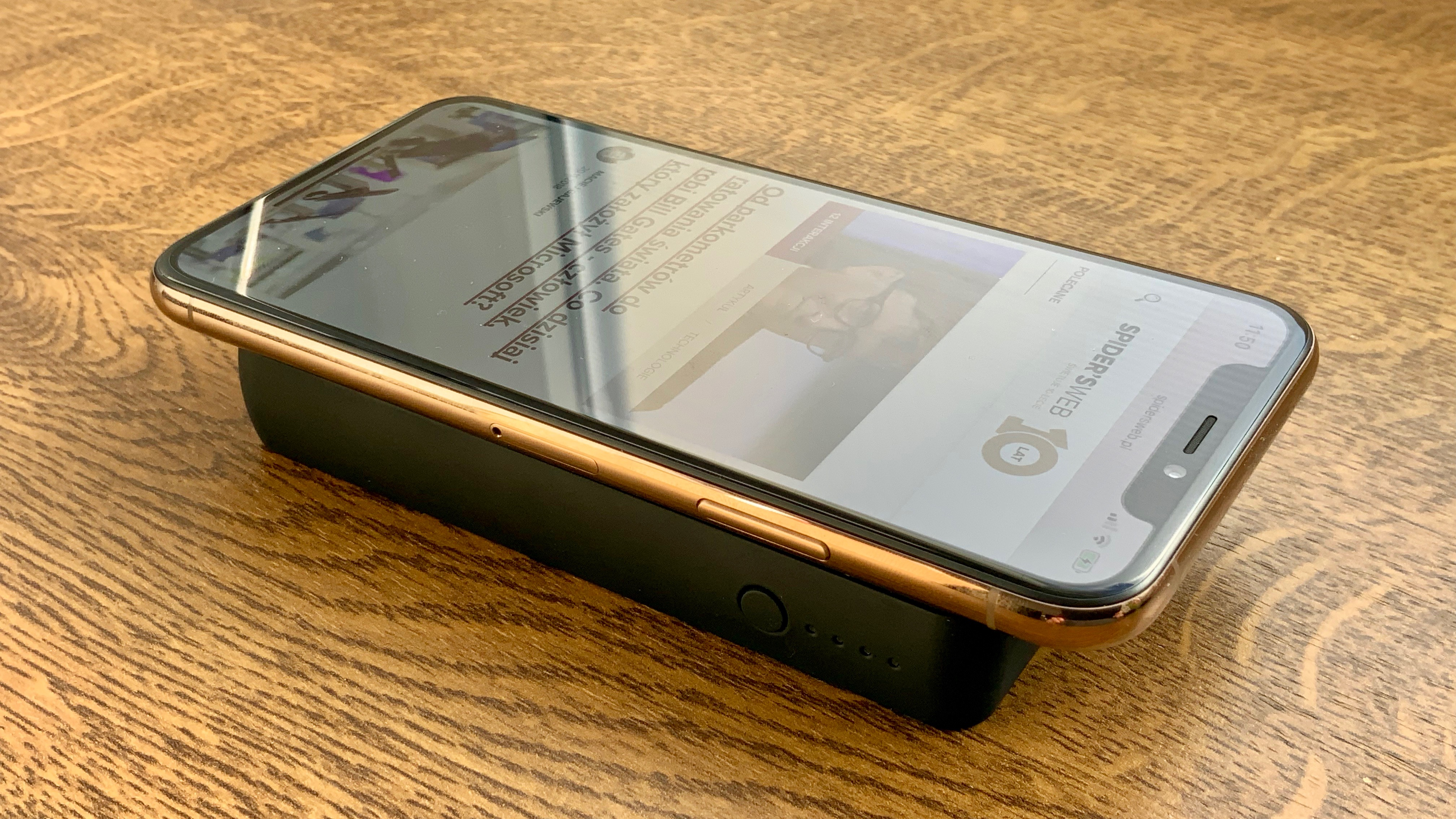 mophie 3 qi Powerstation Wireless 2