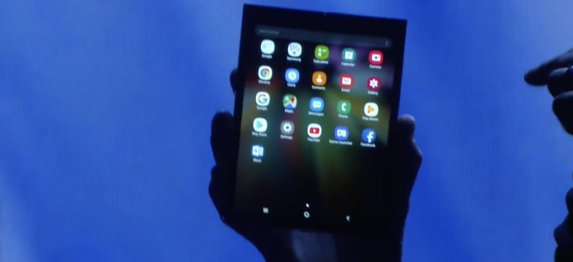 Samsung pokazał składany telefon. Jest grubo