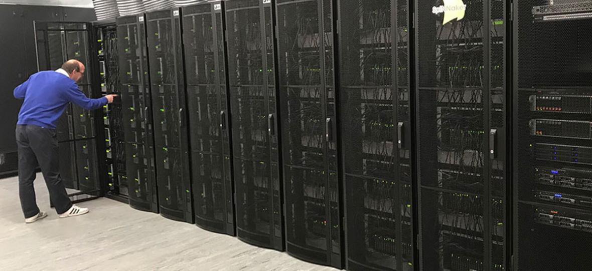 SpiNNaker – superkomputer, który ma naśladować ludzki mózg został właśnie uruchomiony
