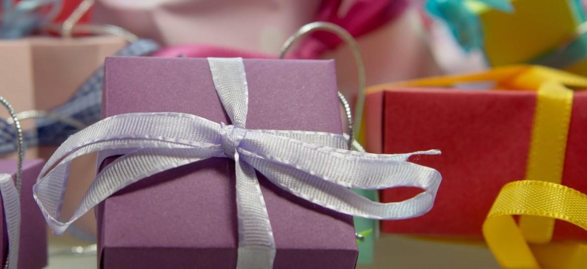 Facebook chce, żebyś listę prezentów zrobił w formie kolekcji. Później dyskretnie roześlesz ją rodzinie