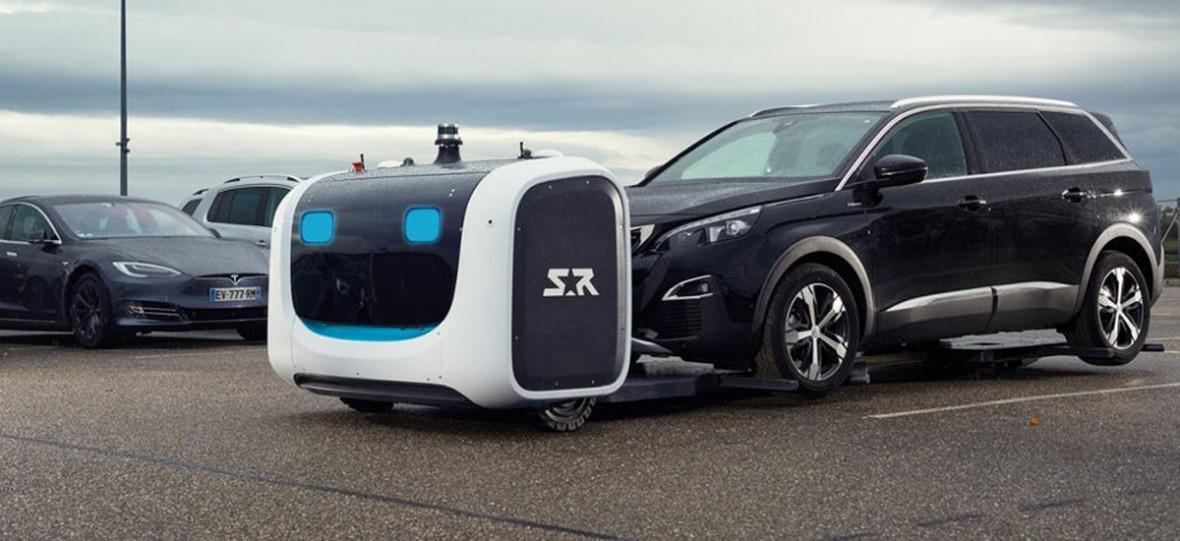 Genialny pomysł – przyjeżdżasz autem na lotnisko, a parkowaniem zajmuje się robot. Zadziała z każdym samochodem