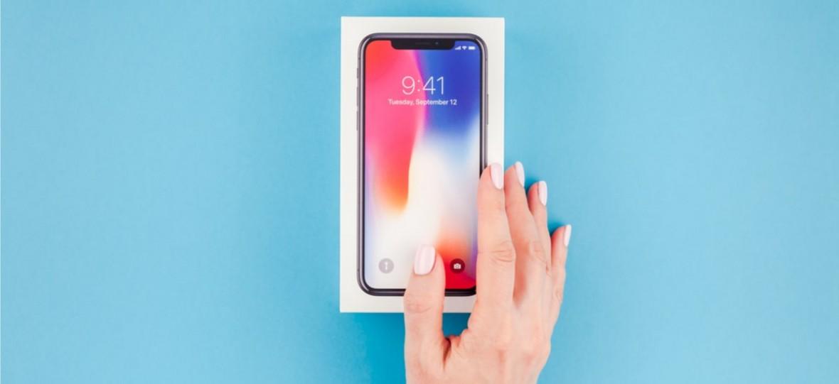 Jeżeli powstanie składany iPhone, będzie miał szklany ekran. Firma Corning pracuje nad elastycznym szkłem
