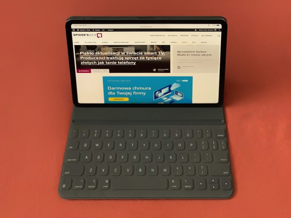 ipad pro 2018 11 smart keyboard folio klawiatura do tabletu