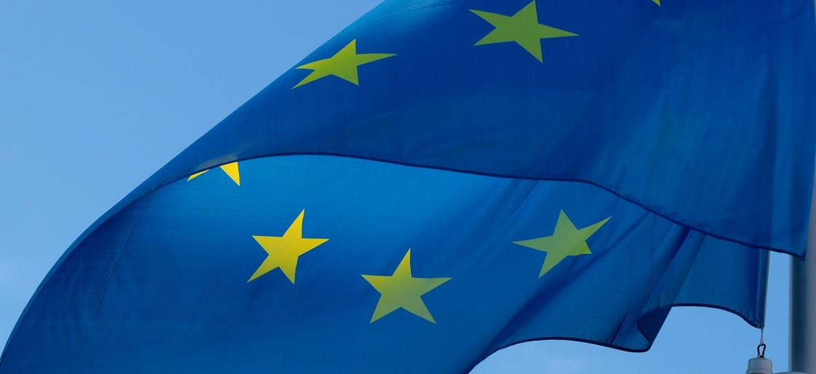 Karta długoterminowego rezydenta UE to nie tylko możliwość pobytu w Polsce, ale też bilet do zamieszkania na terenie innych państw