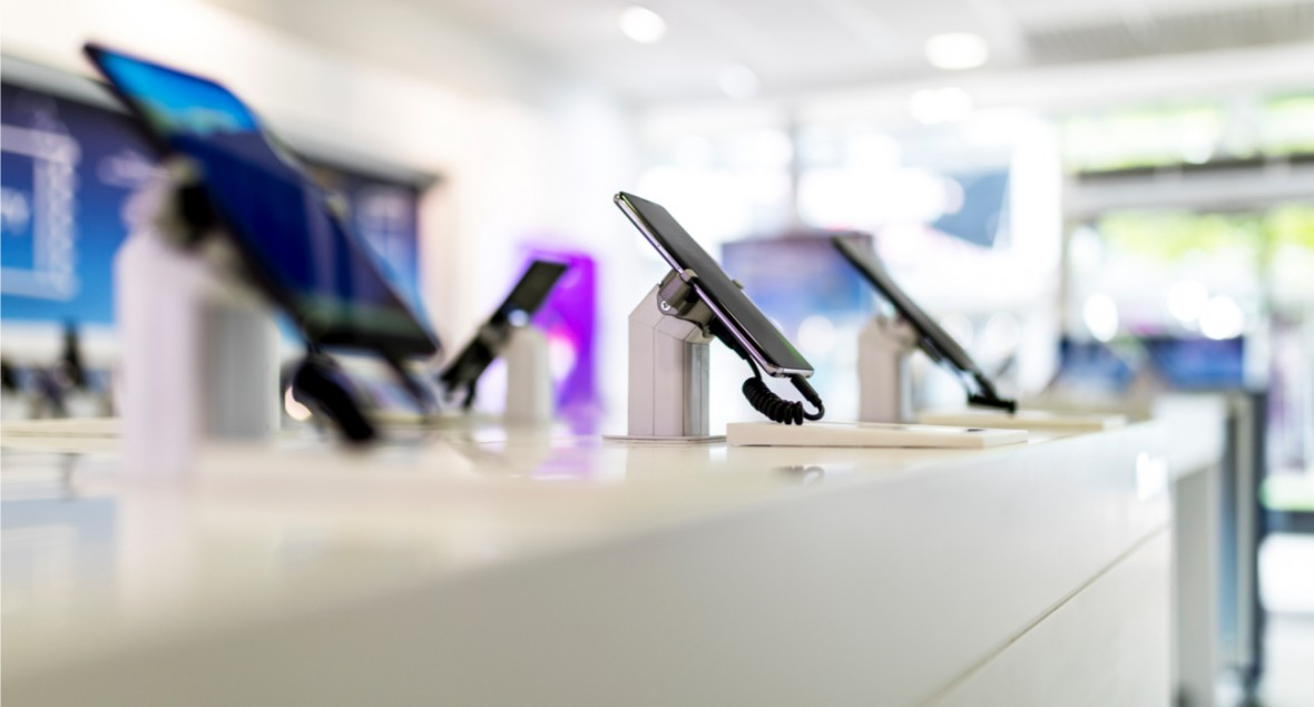 W T-Mobile, Orange, Play i Plusie możemy kupić telefony bez umowy. Zrobiliśmy przegląd ofert