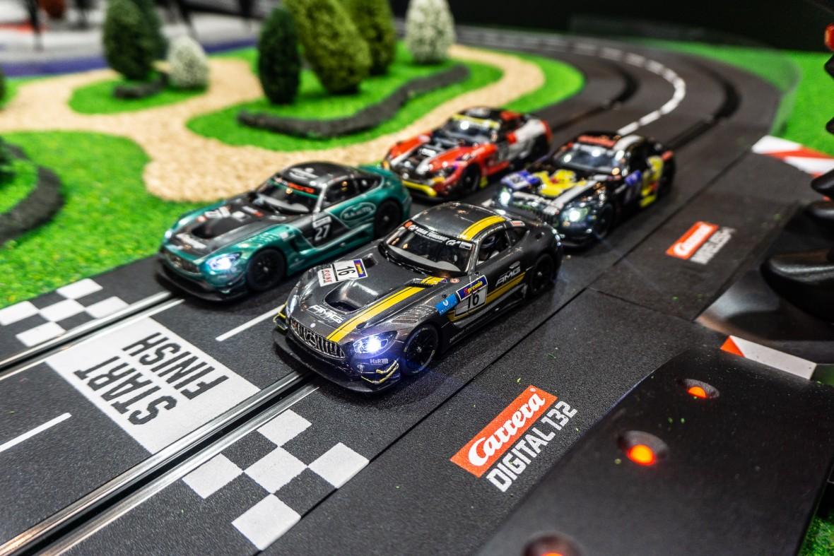 Wyścigowa makieta za 12000 euro przypomina znajomą mapę z popularnej gry wideo