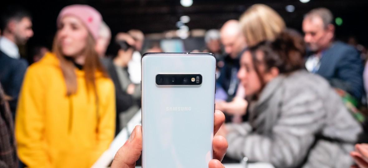 Czytnik linii papilarnych w Galaxy S10 można oszukać folią na ekran. Samsung pracuje nad rozwiązaniem