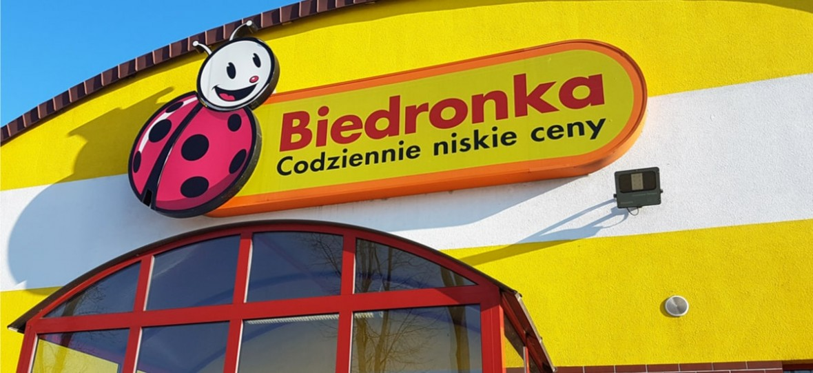 Biedronka uruchomiła właśnie całodobową infolinię w sprawie pracy. Sieć stawia na Ukraińców