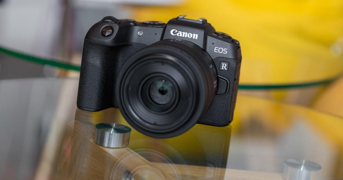 """Bezlusterkowce Canona doczekały się swojej """"świętej trójcy"""". Oto nowe obiektywy 15-35 mm i 24-70 mm f/2.8"""