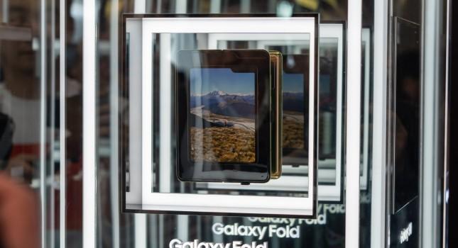 Tak się składa, że ekran Samsunga Galaxy Fold nie wytrzymuje nawet jednego dnia