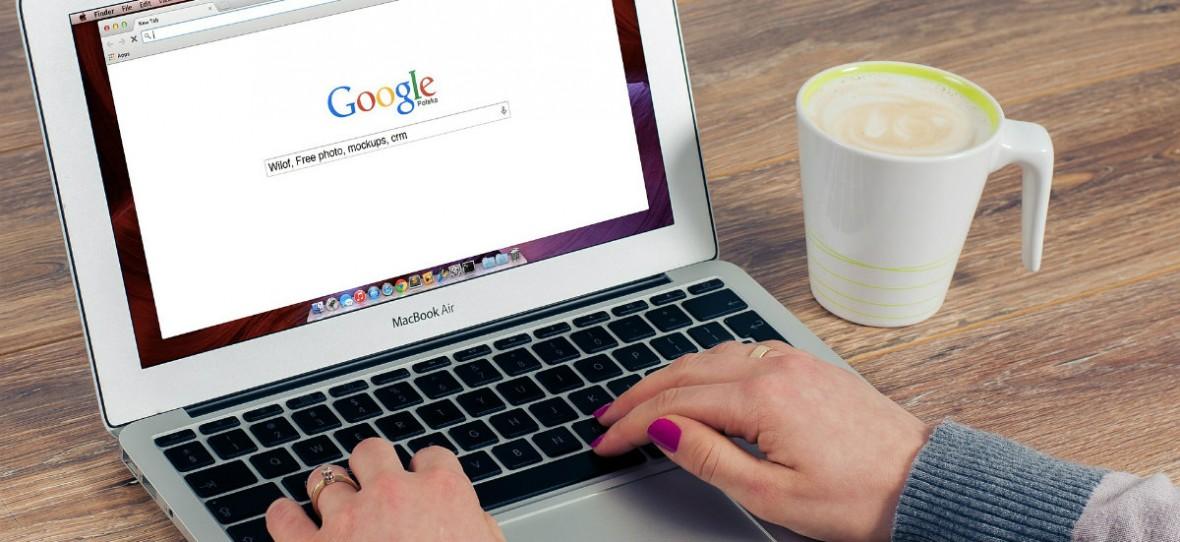 """Google dostał po łapach za """"nielegalne praktyki w reklamach wyszukiwarki"""". KE nakłada 1,5 mld euro kary"""