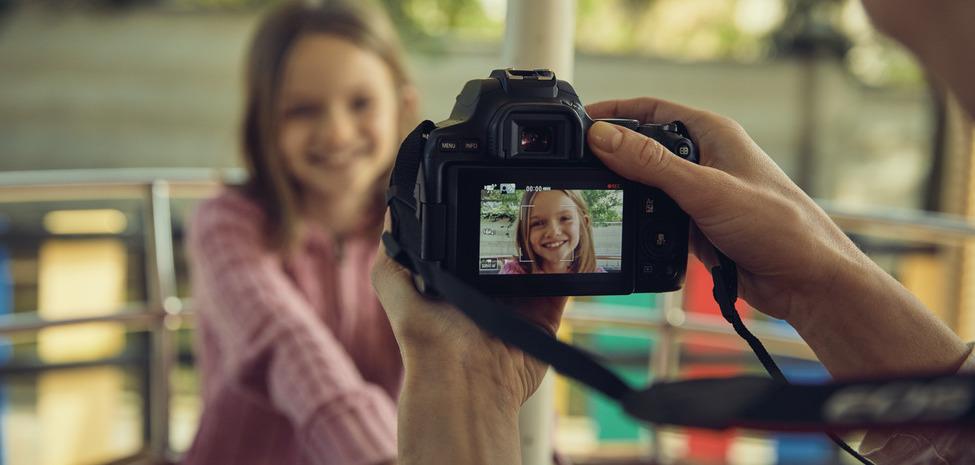 Tanio, taniej, Canon EOS 250D. Nowa lustrzanka dla vlogerów z napiętym budżetem