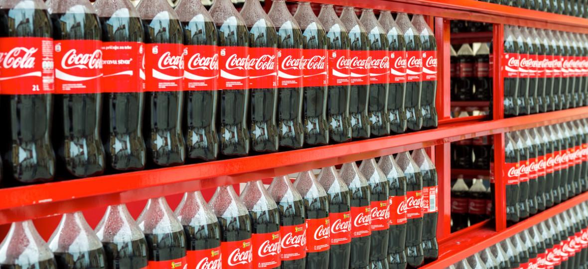 Dzbany roku: Coca-cola wysyła ludziom puste butelki, tylko po to, żeby wyrzucili je do śmieci