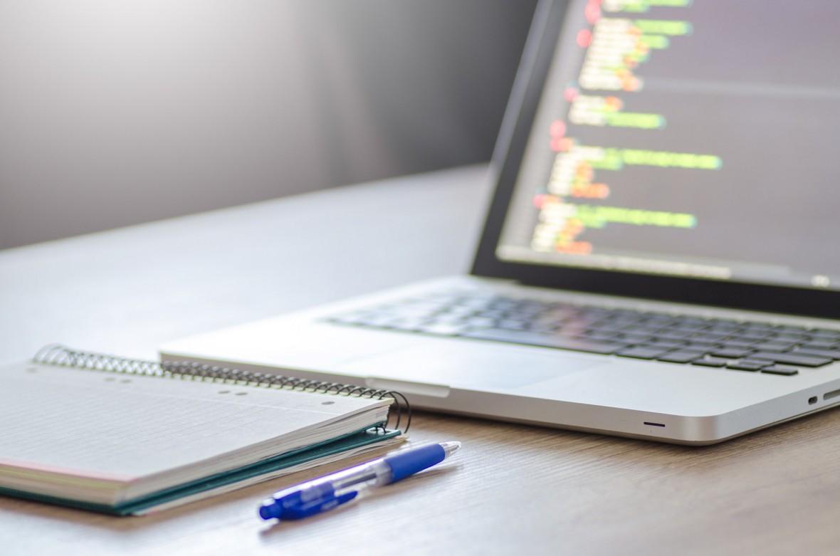 Jeśli myślisz o web development – wciąż podstawą jest HTML