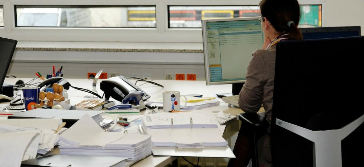 Prawie gotowy system do e-dokumentacji został wyrzucony do kosza. Nowy będzie kosztować 90 mln
